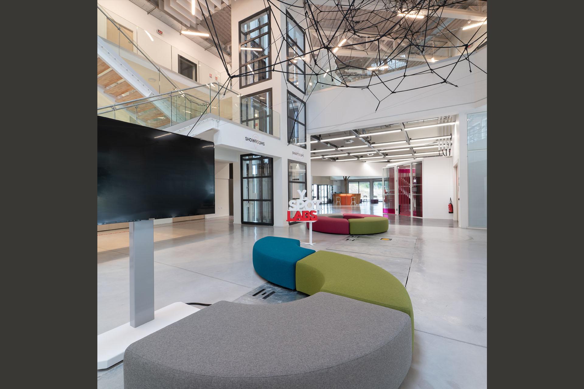 Y Spot Labs Accueil plateaux recherche