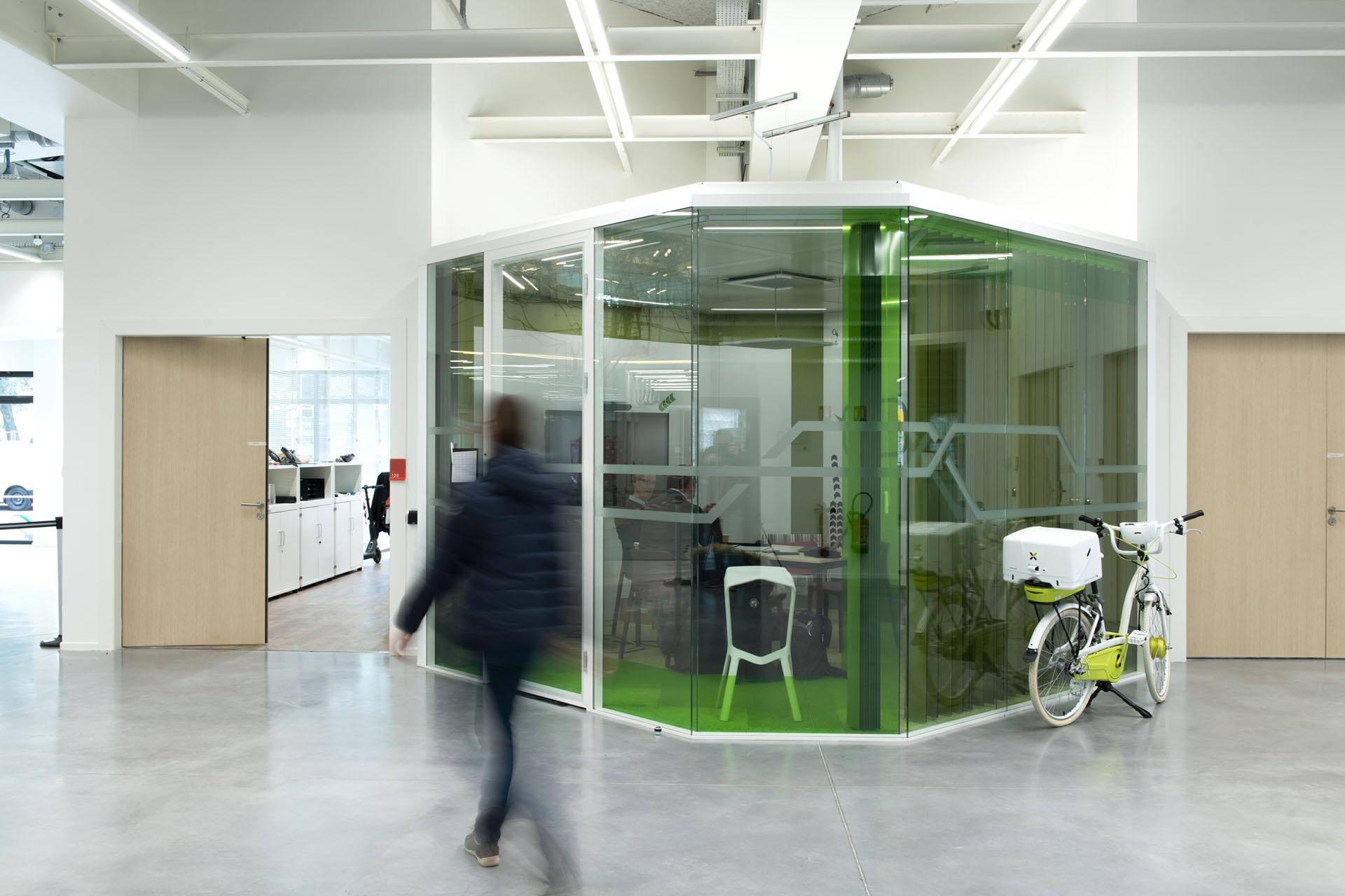 Y Spot Labs Espaces de travail Transit Box verte